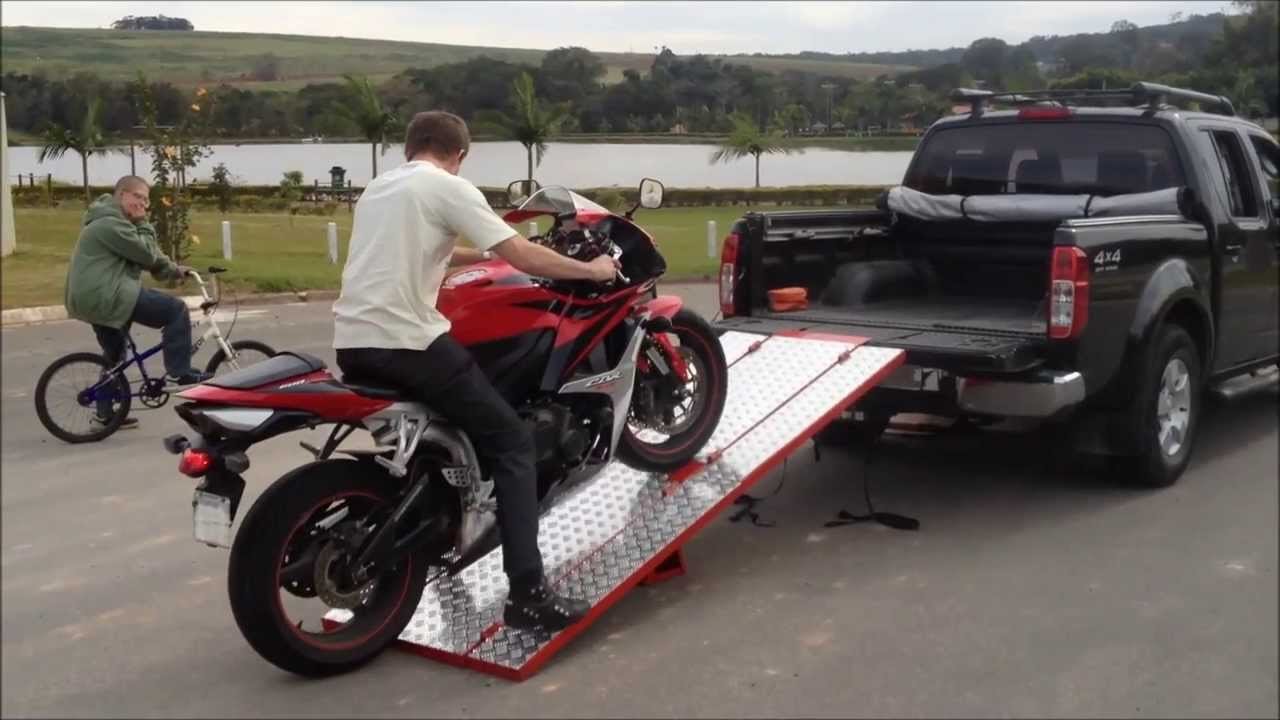 rampa para moto rampa de moto para caminhonete motoramp mr 02 youtube. Black Bedroom Furniture Sets. Home Design Ideas