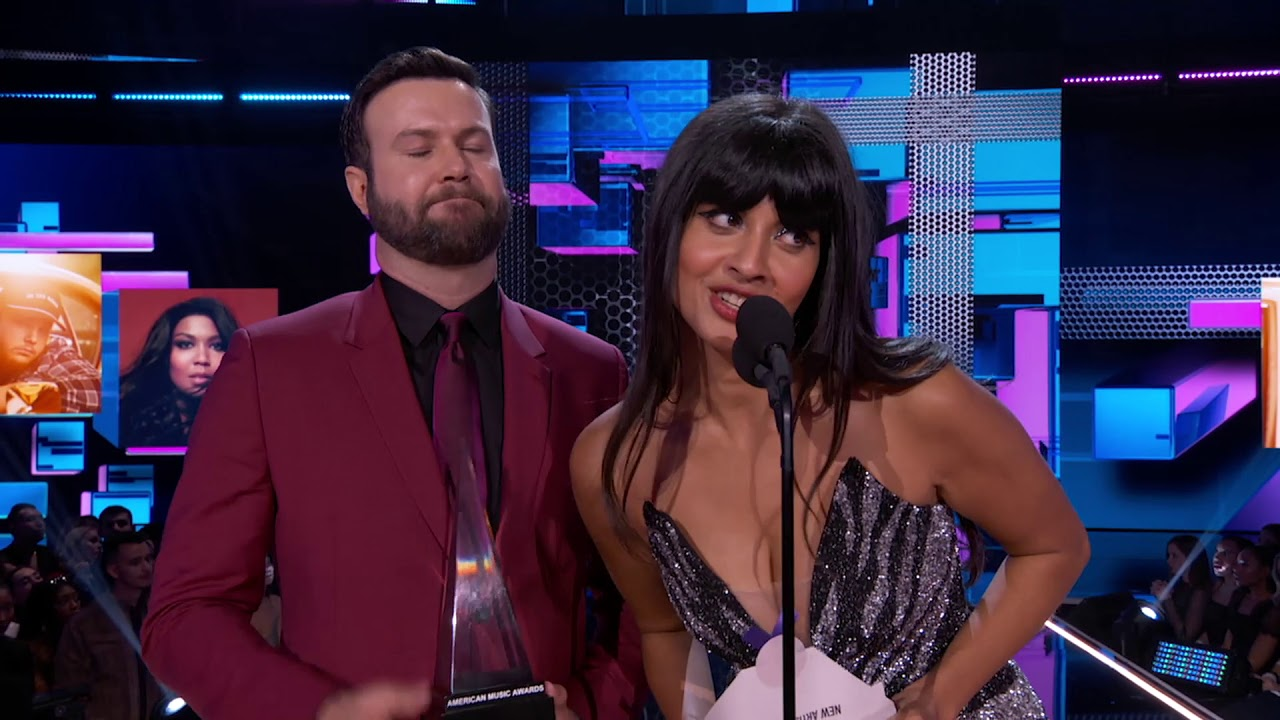 Billie Eilish wins New Artist of the Year I  AMAs 2019