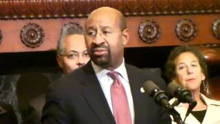 Mayor Nutter Hurricane Irene Press Brief - Aug 25.mp4