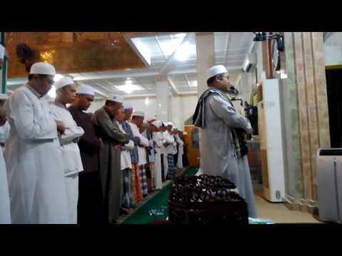 SHOLAT ISYA BERJAMAAH DI MASJID AT-TAQWA KM4,5 BANJARMASIN