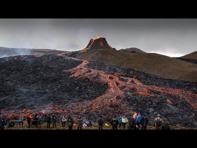 Erupción del volcán en Islandia se convierte en atracción turística