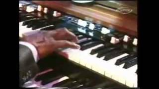 Jimmy Smith Playing Midnight Special on Hammond B-3 (1995)