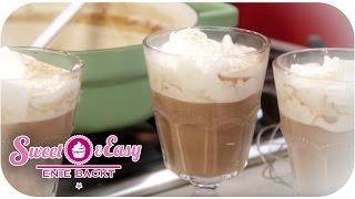 Ein Heißgetränk gehört zu Weihnachten einfach dazu - und was passt besser zu den kalten Tagen als eine heiße Schokolade? Diese wird noch mit ...