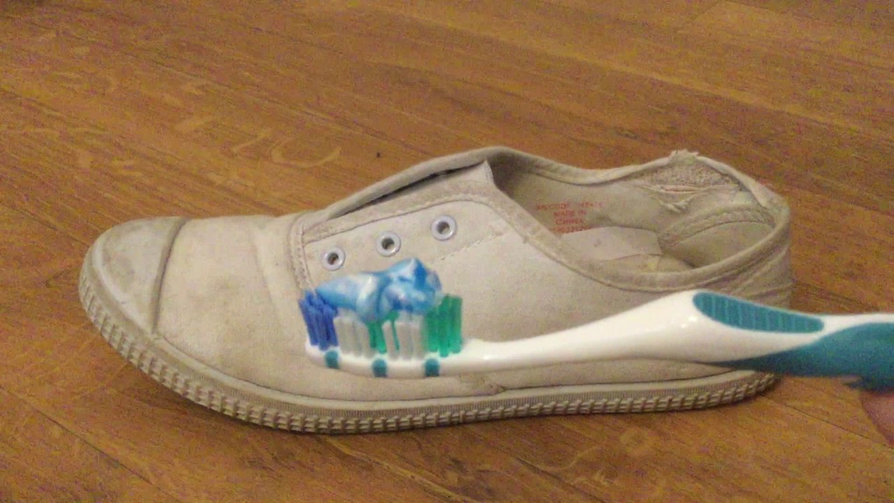 e0c935c7e24 Cleaning Shoes with Toothpaste - YouTube
