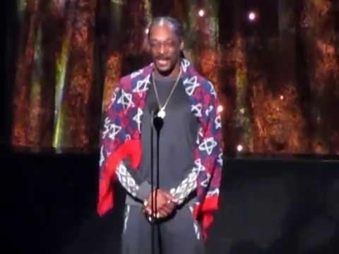 Watch Snoop Dogg's Emotional Rock Hall Speech Inducting