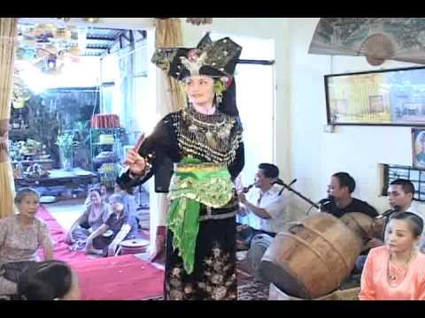 thanh đồng mộc ân Nguyễn Thị Hằng bắc ghế hầu thánh (p12)