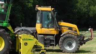 Silaging with JCB Fastrac.
