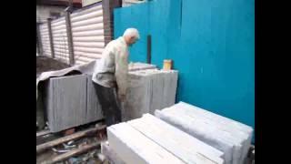 Как построить дом своими руками.Изготовление плит.(Чтобы построить дом своими руками недорого,нужно часть материала изготовить самому.http://sam-sebe-dom.com/ Здравств..., 2014-06-01T16:40:56.000Z)