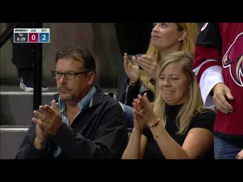 Gotta See It: Mama Strome conflicted after Ryan scores against Dylan's team