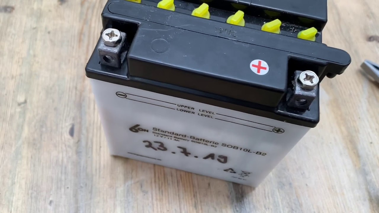 How to maintain your motorcycle battery (add distilled water) DIY