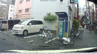 (`・ω・´) 時間貸し駐車場内に自転車放置・・・