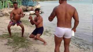 chule y rafa en bayladera. el la playa de andres bocachica esperando el 2013