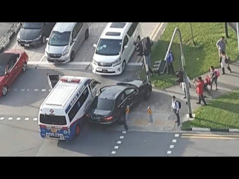 12nov2018  multi angle view accident btw black merc e200  & comfort ambulance @ woodland ave 5 Mp3