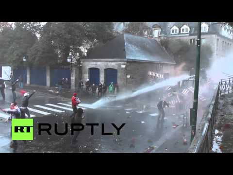 France: Clashes in Brittany as thousands protest against eco-tax