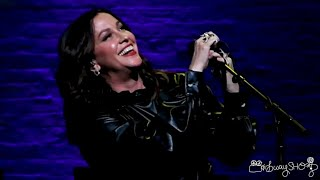 """Alanis Morissette sings """"Head Over Feet"""" at The Apollo"""