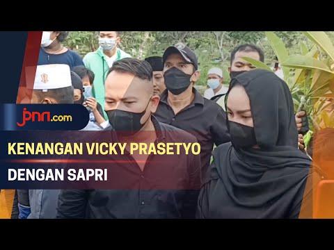 Kenangan Vicky Prasetyo Bersama Sapri Pantun