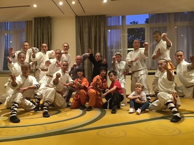 Grandmaster Walter Toch in demo with Shaolin Monks Brussel 2018