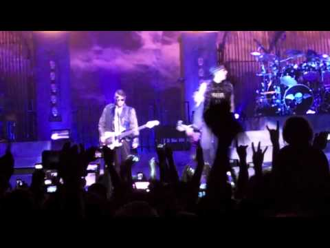 Avenged Sevenfold - Nightmare (Live at the Centurytel Center in Bossier City, LA)