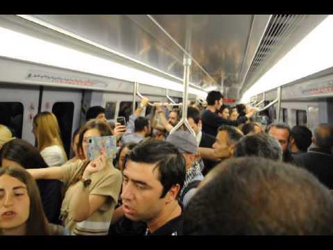 çayyolu metrosunda gençler yolumuz devrim yolu dediler