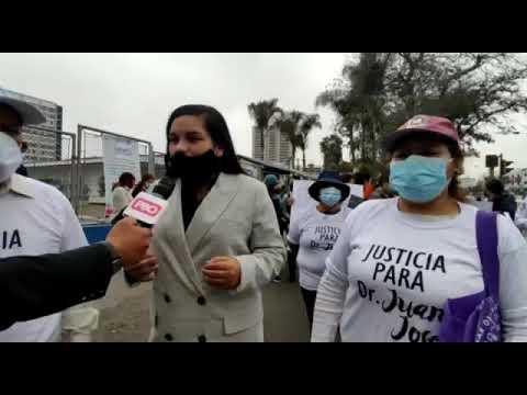 Médicos del hospital Rebagliati exigen libertad de residente Juan José Vilca León  2/4