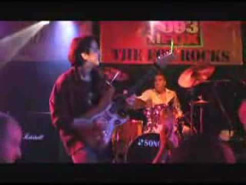 Jagua Roxy gig Fox radio station competition