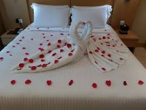 best-of-honeymoon-bed-towel-art