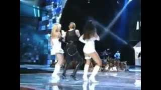 MTV : Lourdes Leon on Stage (At the beginning)