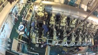 MAN B&W moteur Diesel : Changement de piston (2)