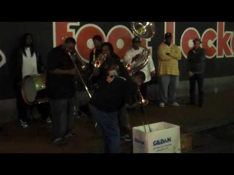 Wayne Sutton plays with Bourbon Street Band Musici...