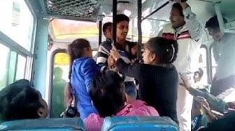 India, molestate sul bus si difendono. Premiate due studentesse
