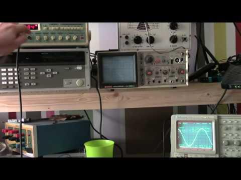 MF10 switching capacitor filter audio generator