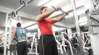 De fatiga en un muscular deportista sintomas