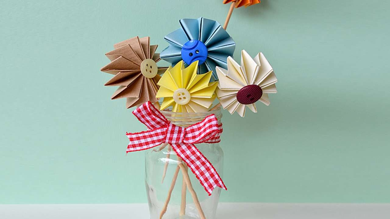 How To Make Colorful Paper Cake Toppers