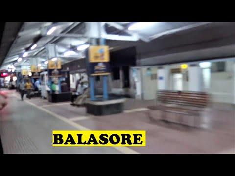 WAP4 Santragachi Mangalore Vivek Neat Balasore