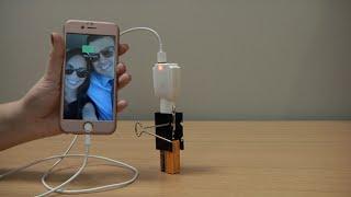 Maak uw eigen draagbare telefoonlader met een ACCU! (Demo)