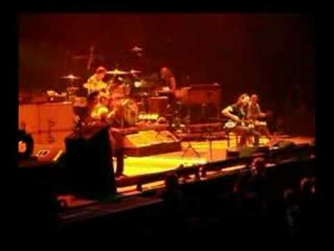 Pearl Jam - Waiting on a friend (Pittsburgh, PA 6-23-06)