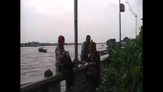 Saat wisata ke Benteng Kuto Besak, Sabtu 23 Februari 2013.