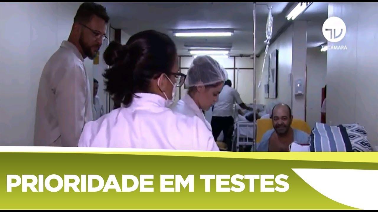 Câmara aprova prioridade a profissionais da saúde nos testes de coronavírus - 29/04/2020