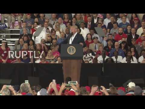 USA: 'One false story after another' – Trump attacks journalists at Florida rally