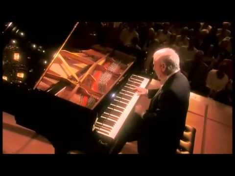 Beethoven | Piano Sonata No. 2 in A major | Daniel Barenboim