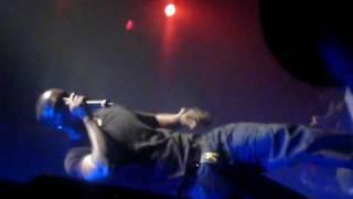 Akon - Dangerous - LIVE