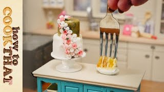 Mini Wedding Cake for Valentine's Day Teeny Weeny Challenge #4