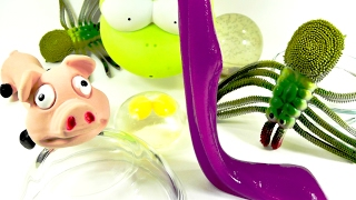 cortando y abriendo juguetes rana huevo tarntula qu hay dentro