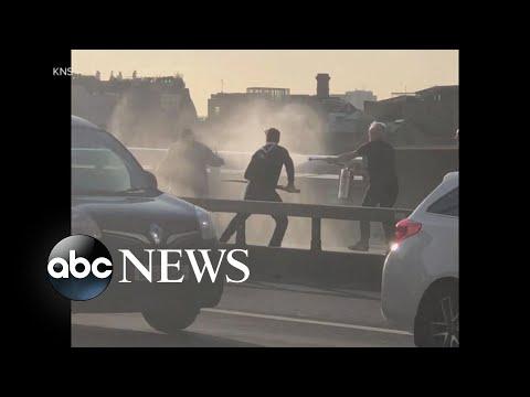 Watch : Citizens take down terrorist o...