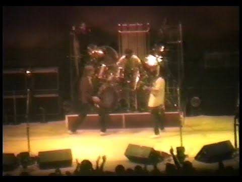 RUSH - Live at the Montreal Forum 1st night (480p) - 1983/04/08 - Signals Tour