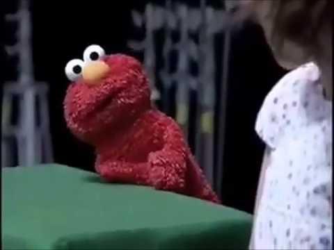 La verdadera identidad de Elmo!!! ( E )