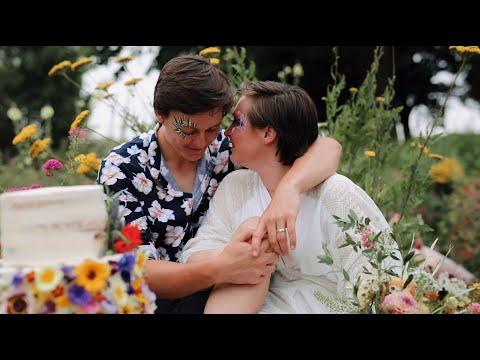 Wildflower Festival Wedding Inspiration // Sheffield Manor Lodge Weddings