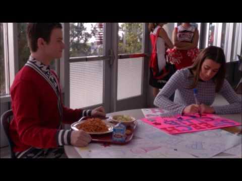 Glee  Rachel duces herself to Kurt 6x12