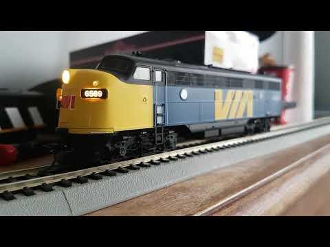 HO Scale Intermountain FP7A/ ESU Sound  Locomotive Review Via Rail