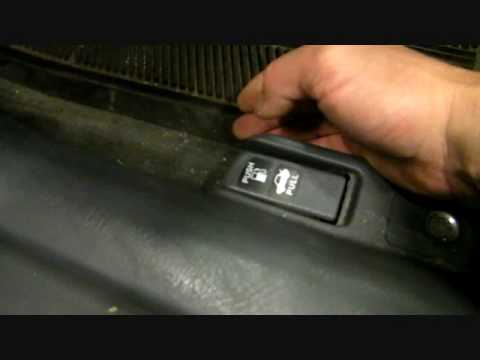 honda civic defective fuel door the cause and solution youtube rh youtube com 1998 Acura RL Specs 1998 Acura Integra